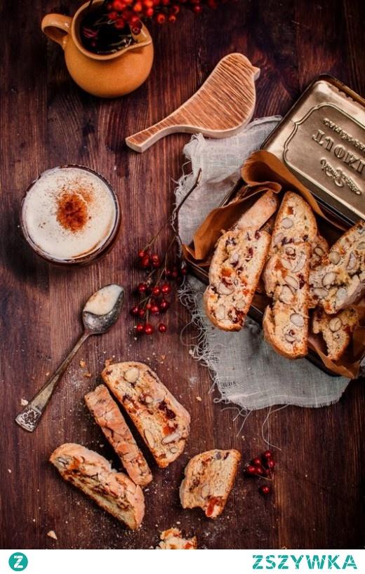 Włoskie biscotti z migdałami