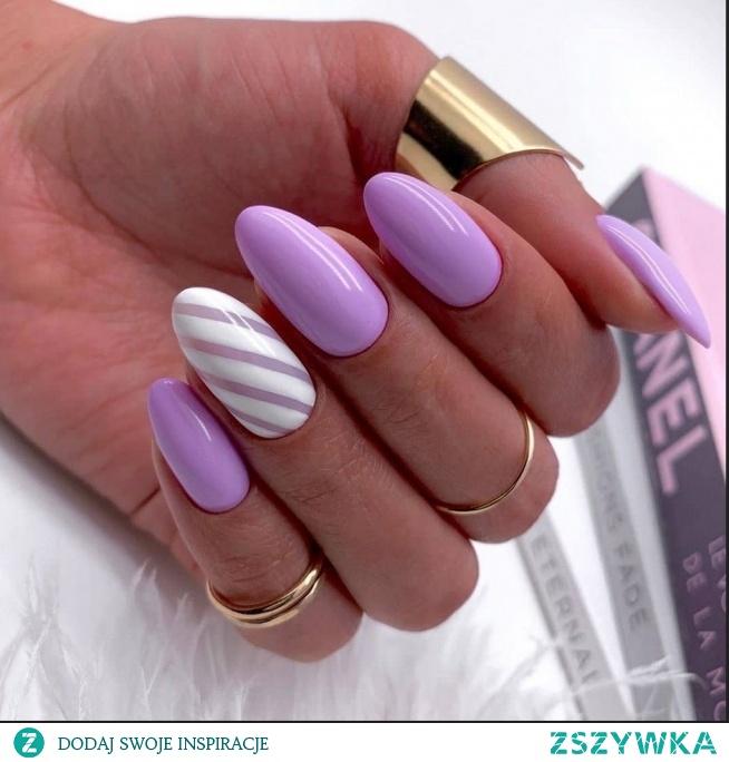 Wrzosowe paznokcie to propozycja która sprawdzi się nie tylko wiosną czy latem, ale również jesienią, szczególnie w połączeniu z bielą! Nieprawdaż?