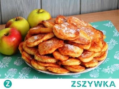 Puszyste racuchy z jabłkami