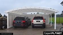 Wiata garażowa dwustanowiskowa zabudowana na dwa samochody. Konstrukcja z dre...