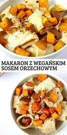 Makaron z wegańskim sosem o...