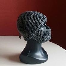 Kolejna czapka z przyłbicą ...