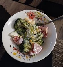 Fit kolacja- sałatka z brokułami. Pycha:)