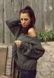 Szary sweter handmade z weł...
