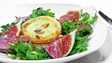 Sałatka z figami, kozim ser...