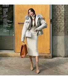 Jesienna moda nie musi być szara i ponura! Kliknij w zdjęcie i zobacz gdzie kupić długą, sweterkową sukienkę!