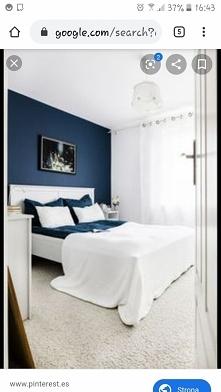 granatowo biala sypialnia