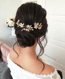 #fryzura #włosy #upięcie #kobieta #modadamska #styl #spinka #ślub #wesele #studniówka #hairstyle
