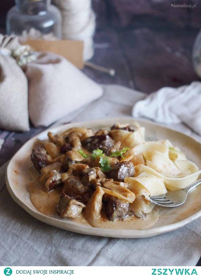 Strogonow wołowy z boczniakami / Beef and oyster mushroom strogonoff