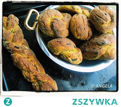 Bułki cebulowe z kurkumą - Onion And Curcuma Buns Recipe - Pagnotte con cipolle e curcuma