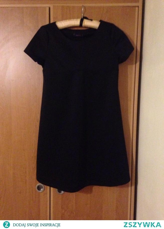 Hej sprzedam sukienk Nie noszona, ale bez metek. Rozmiar uniwersalny. Zapraszam : )