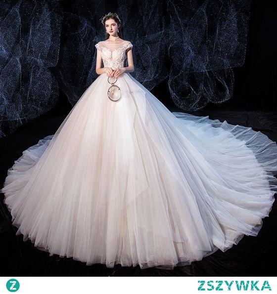 Wysokiej Klasy Kość Słoniowa Suknie Ślubne 2020 Suknia Balowa Wycięciem Frezowanie Z Koronki Kwiat Bez Rękawów Bez Pleców Trenem Królewski
