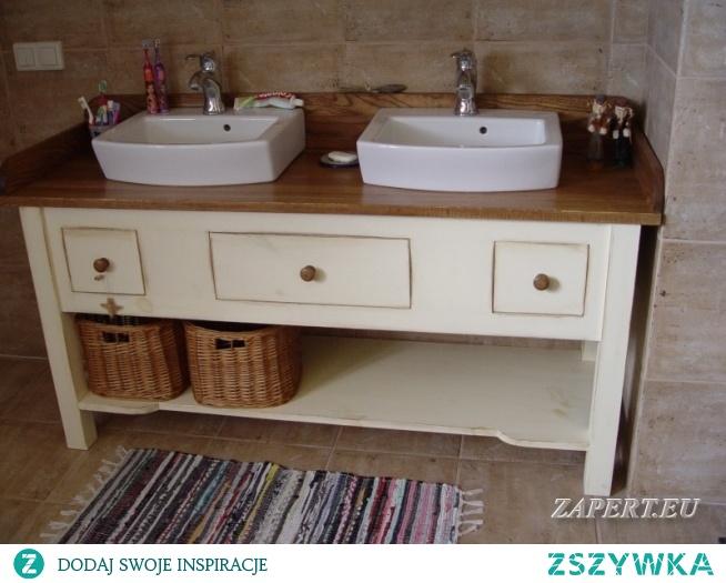 Szafka łazienkowa w stylu rustykalnym,wykonana z drewna. Projekt i realizacja - Marcin Zapert