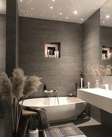 Bathroom in grey