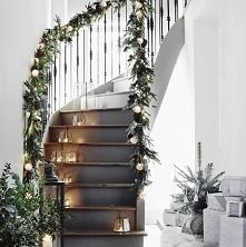 Dekoracja świąteczna na sch...