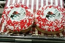 Hockey donuts in Canada @dw...