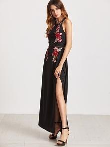 Długa, kobieca sukienka wieczorowa, czarna z ozdobnym, kwiatowym haftem. --&g...