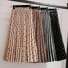 Midi, jesienne spódnice świetnie komponujące się z czarnymi rajstopami i botkami :) kliknij w zdjęcie i sprawdź gdzie je kupić!