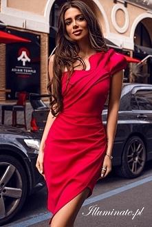 Czerwona wieczorowa sukienk...