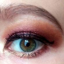 makijaż paletką Pretty Incr...