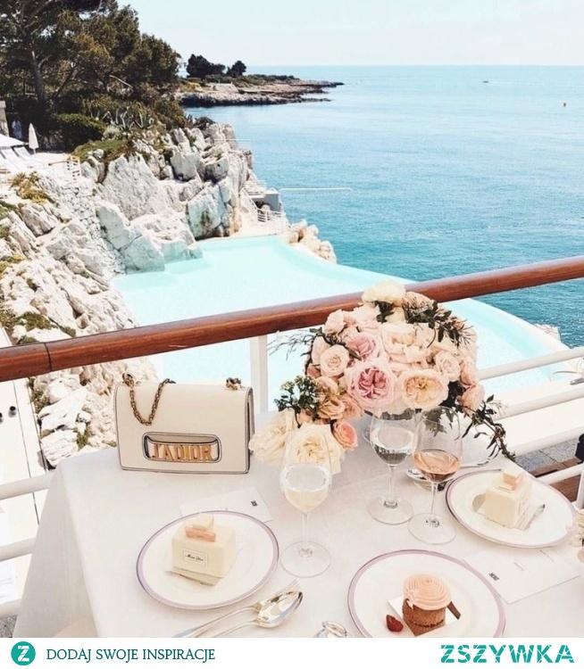 Śniadanie przy pięknym widoku :)