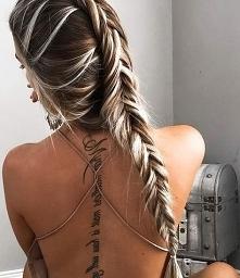 Tatuaż na kręgosłupie