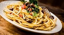 Spaghetti z pomidorami i ol...