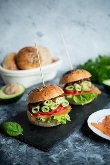 Domowe hamburgery z wędzony...