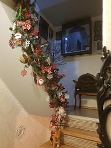 mój pomysł na ozdobienie schodów na święta :)