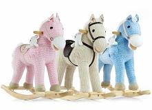 Koń na biegunach to jedna z ulubionych zabawek dzieci i dobry pomysł na preze...