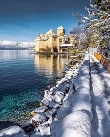Zamek Chillon w Szwajcarii.