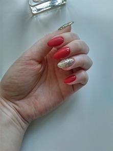 #semilac #rednails #glitter #christmasnails