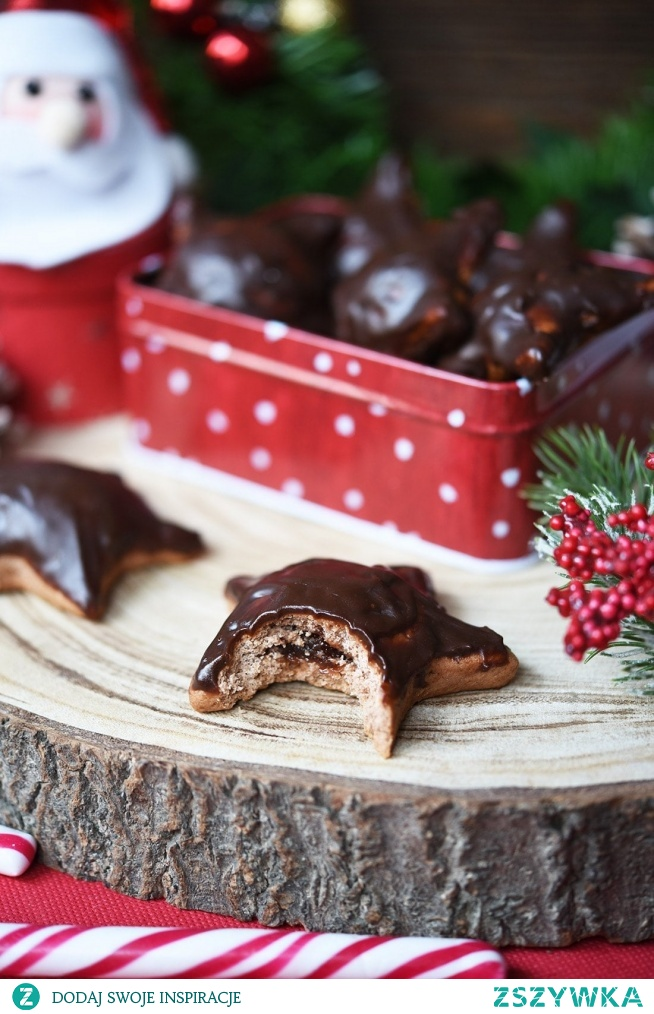 Nadziewane pierniczki polane czekoladą