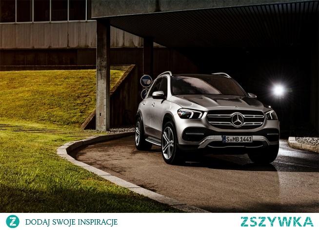 Nowy Mercedes GLE to auto wszechstronne, dynamiczne i bardzo wydajne. Wyróżnia się komfortem prowadzenia oraz bezpieczeństwem.