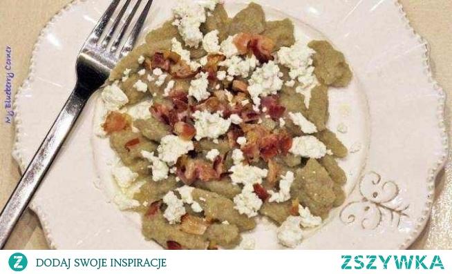 kluski ziemniaczane (przecieraki) z białym serem, boczkiem i cebulką <3 wspomnienie babcinych obiadów, najlepszy obok babki ziemniaczanej i domowego makaronu!