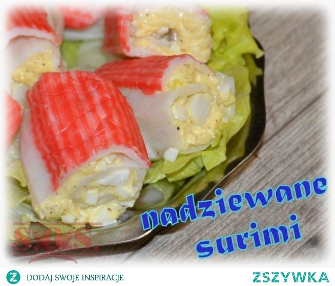 Nadziewane surimi to smaczna i dość oryginalna propozycja na poczęstunek dla gości;)