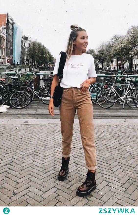 Modna stylizacja z beżowymi spodniami