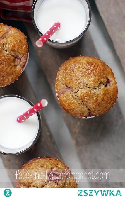 Proteinowe muffiny z truskawkami.