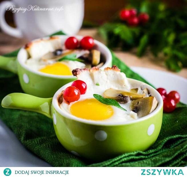 Jajka zapiekane z pieczarkami