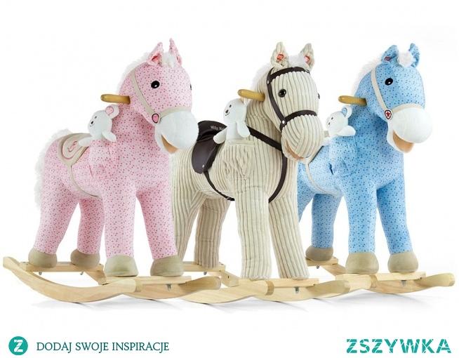 Koń na biegunach to jedna z ulubionych zabawek dzieci i dobry pomysł na prezent - czytaj na blog.zabawkitotu.pl