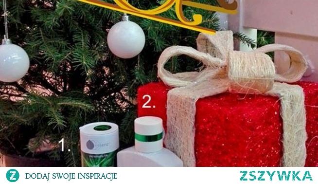 """Święty Mikołaj musi mieć trudności z pozostaniem """"świętym"""" przez całą noc latania po świecie na sankach prezentem za prezentem, musi się zatem nieźle nagimnastykować ! Zanim słońce zacznie wschodzić, możesz założyć się, że Święty Mikołaj (Poznański Gwiazdor) praktycznie podrzuca prezenty przez kominy i ma nadzieję, że wylądują gdzieś w pobliżu choinki .  Zapewne znasz takiego Świętego Mikołaja, który czyni honory w rozdawaniu prezentów w twoim rodzinnym domu? Warto byłoby zostawić mu pod choinką zamiast ciasteczek z mlekiem coś mocniejszego ! I tutaj z pomocą przychodzą konopne prezenty..... Sprawdź jakie :)"""