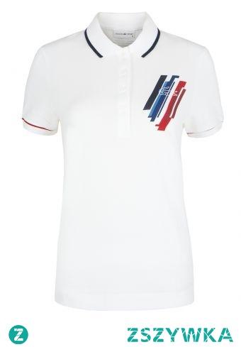 Polo lacoste sport koszulka, która od lat wpisuje się w trendy. Dzięki niej stworzysz ponadczasowe, a przede wszystkim wygodne stylizacje.