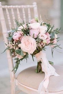 pastelowo różówy bukiet ślubny