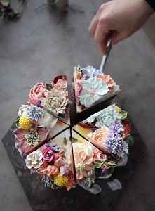 kwiecisty tort