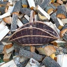 Kosz na drewno do kominka.