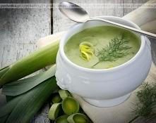 Zupa z pora i mięsa mielonego.