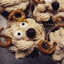 Z tymi muffinami reniferami...