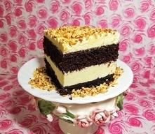 """Ciasto   """"  Czarna   owca """"  {   przepis  i  nazwa  z  internetu ,  owca  bo  ciasto   jest  świetne i   bardzo  puszyste } Blacha 22x33cm. Ciasto kakaowe: 3/4 szklank..."""