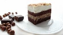 Ciasto Michałek. Czy wiedzą Państwo, że cukierki Michałki znane są już od 1965 roku! No i jak tu nie zrobić ciasta z dodatkiem takiej sławy. Pyszne czekoladowe ciasto, masa na b...