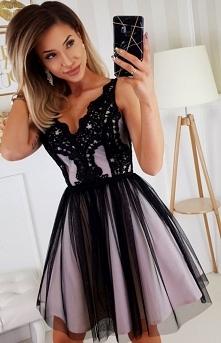 BICOTONE Rozkloszowana sukienka z koronką czarno-beżowa Bicotone 2206-16